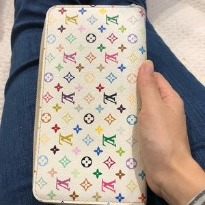 Authentic Louis Vuitton Monogram zippy